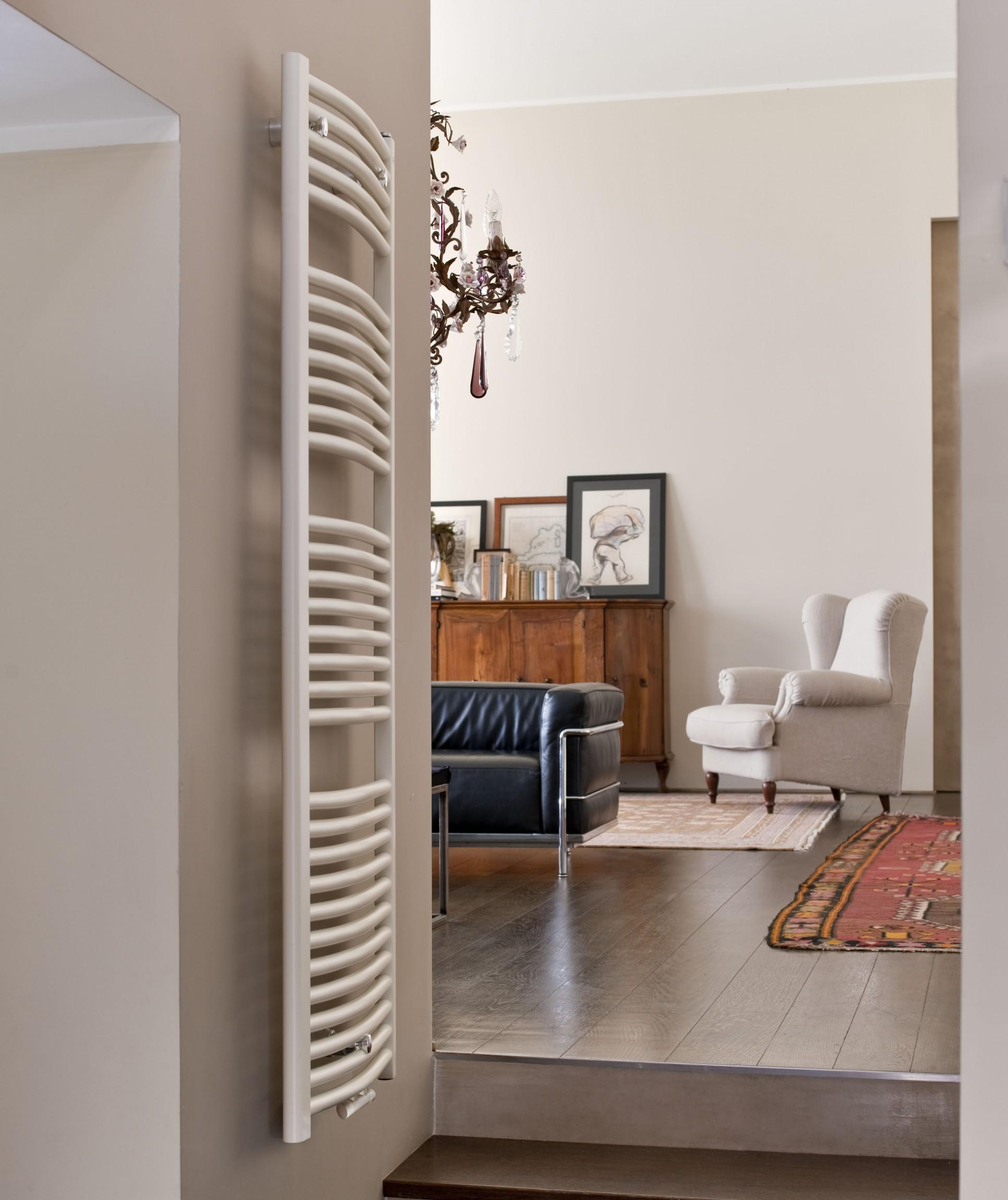 heizk rper bad gebogen 1200 x 500 mm 604 watt heizk rper badheizk rper. Black Bedroom Furniture Sets. Home Design Ideas